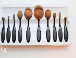 70% off make up brush set